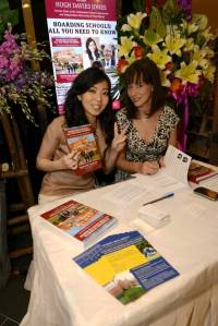 2 hours of signing for Victoria and Jennifer